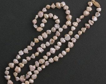 Vintage Japanese Lake Biwa pearl neckace. nlbd1242(e)