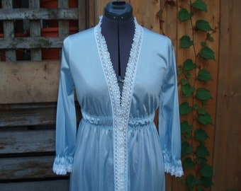 Vintage 1960s Slumber Suzy Nylon Duster / Robe med / small Nylon Negligee / Night Gown Never Worn Dead Stock