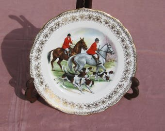 Horse and Hounds Plate by Gainsborough, English Hunt Scene