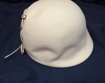 Vintage 1960's Fashion Hat Evelyn Varon Exclusive
