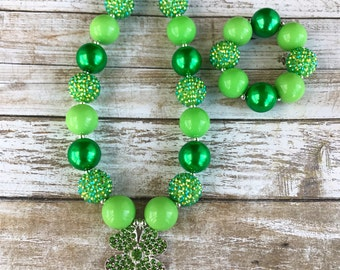 Four Leaf Clover Bubblegum Necklace, Shamrock Jewelry, St Pattys Day Chunky Necklace, St Patricks Day Toddler Necklace, Green Necklace