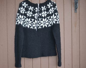 Iceland sweater, Iceland pullover,Icelandic sweater,Lopapeysa,outwear,birthday gift,Ready to ship,size M,100% Icelandic pure yarn,half zip