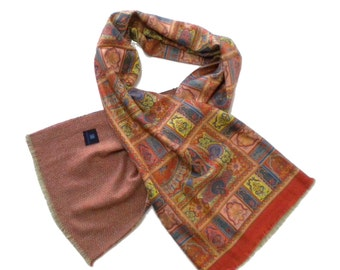 Scarf  by Franco Bassi, silk and cashmere, made in Italy. Double face. Silk and wool foulard. Paisley and herringbone motif. Italian scarf.