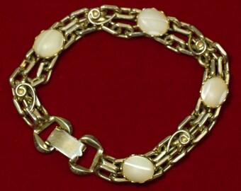 Vintage Gold Tone Faux Cats Eye Bracelet