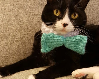 Cat bow tie Scarf // handmade knit bow tie or bow collar for cats