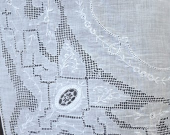 Set of 4 Vintage Chinese Handkerchiefs, Exquisite Drawn Work White Linen Hankies, Never Used, circa 1950s
