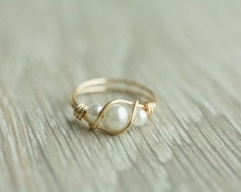 Handmade 3 pearls ring, gold or silver wrapped wire ring, goldfilled multi pearl ring, pure silver pearl ring, bridesmaid gift, gift for her
