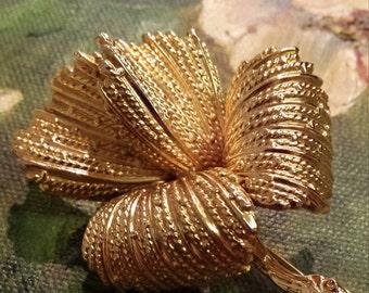 Gold floral vintage brooch