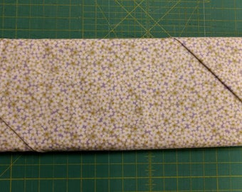 He Still Loves Me fabric. White floral flowers quilters cotton quilting daisy Benartex 1727