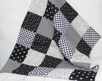 black white quilt etsy. Black Bedroom Furniture Sets. Home Design Ideas