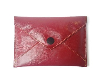 Leather e-readers Case. Leather Kindle case. Red Leather. Leather Case for Kindle. Kindle Paperwhite. Kindle travel. Kindle Oasis. Gift idea