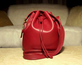 Large, Buttery Soft Vintage COACH Lula's Legacy 9952 Rare Rich Red Leather Drawstring Bucket Bag Shoulder Bag Crossbody: Way Cool!