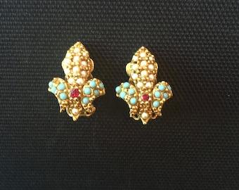Vintage ART Fleur de Lis Earrings