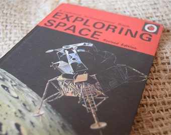 Exploring Space Revised Edition. A Vintage Ladybird Book. 1972