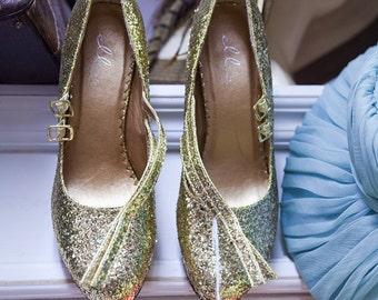 vintage gold shoes, size 8