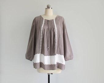 vintage cotton peasant top / 70s gingham prairie blouse / long sleeve tent shirt / womens L