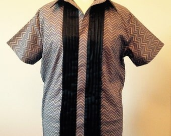 Men's Short-sleeved Kaftan-style shirt with Tuxedo Pleat Detail