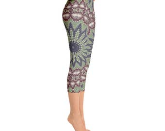 Capri Stretch Pants for Women - Green and Red Printed Leggings, Mandala Leggings, Ladies Yoga Pants, Yoga Leggings, Yoga Tights