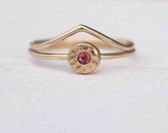 14 k ring set  Ring with Rhodolithe Garnet