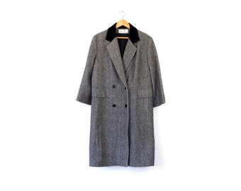 Vintage houndstooth wool peacoat / Long double breasted coat / 90s wool menswear coat / Velvet collar wool coat / English houndstooth coat