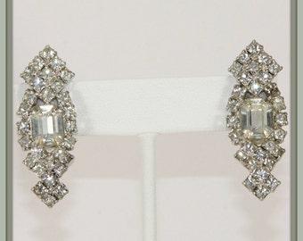 Vintage Rhinestone Earrings, Vintage Earrings, Clear Rhinestone Earrings, Clip On Earrings, Vintage Clip-On Earrings, Vintage Jewelry