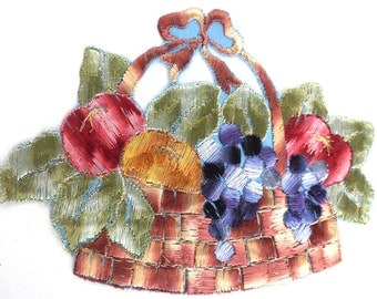 Fruit patch, Fruit basket applique, 1930s vintage embroidered applique. Vintage patch, sewing supply. #646GF0K17