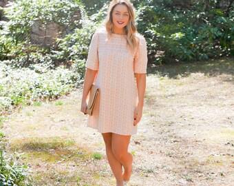Vintage Spring Shift Dress // Peachy Floral Vintage Dress // 1960s Dress // 1960s Shift Dress // Summer Dress // 60s Dress