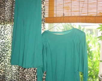 L.A. Entrepot 1980s Teal Skirt & Matching 3/4 SleevesTop with Shoulder Pads