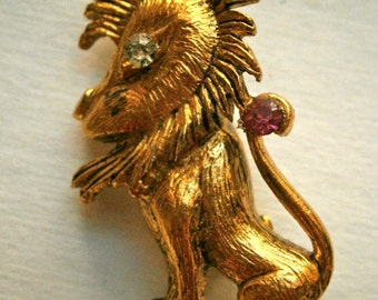 Lion Brooch King of the Jungle