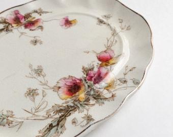 Small sandwich plate U.S Patent Rutland,  Vintage ceramic serving plate, Serving Plate, Sandwich Plate