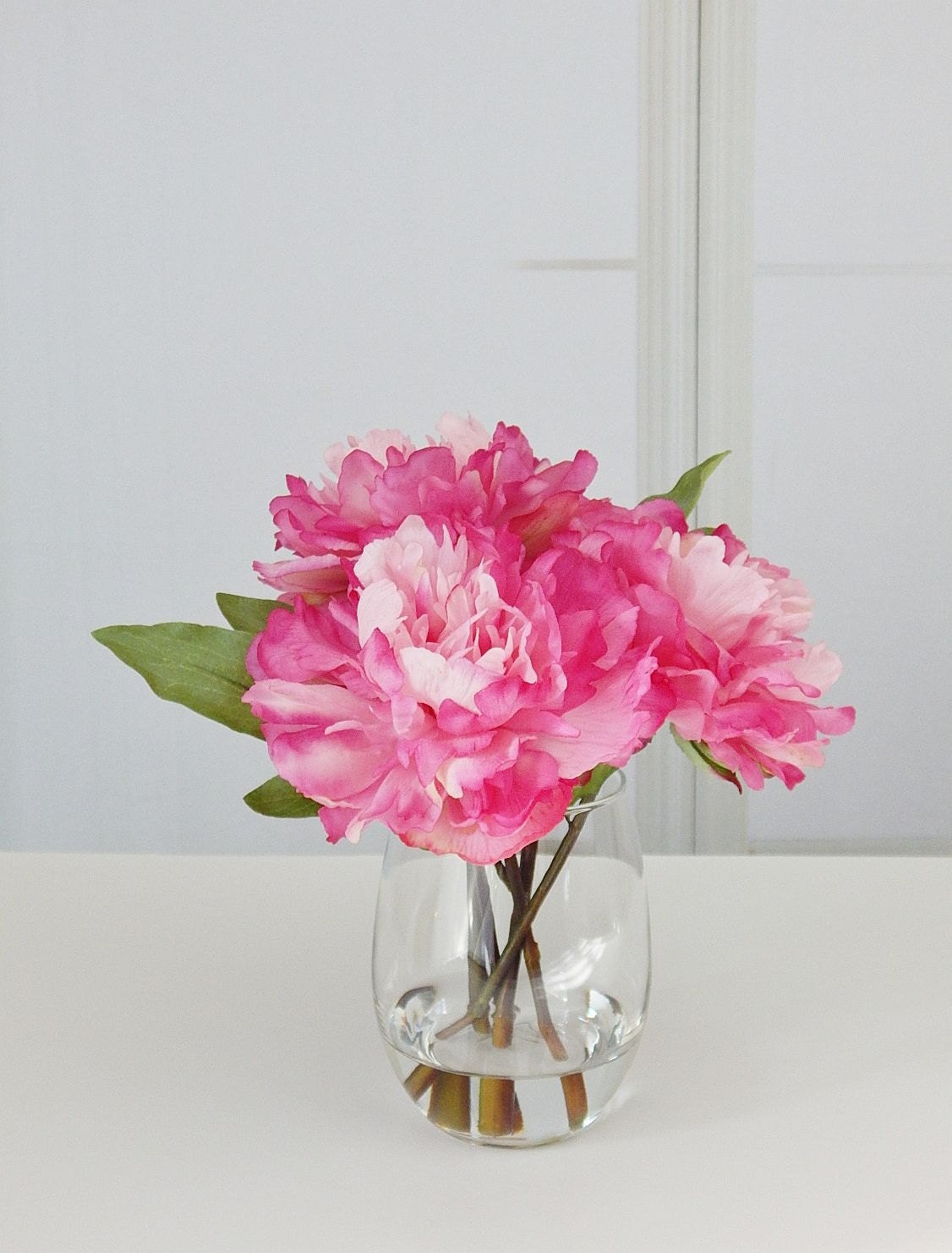 Pinkhot pink silk peonypeonies glass vase faux water pinkhot pink silk peonypeonies glass vase faux water acrylicillusion real touch flowers floral arrangementcenterpiece decorgift reviewsmspy