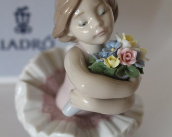 """LLADRO """"My Debut"""" #6764 ~ Mint Condition with Original Box ~ Pastels and Creamy Ivory Gloss Finish ~ Exquisite with Intricate Detail"""