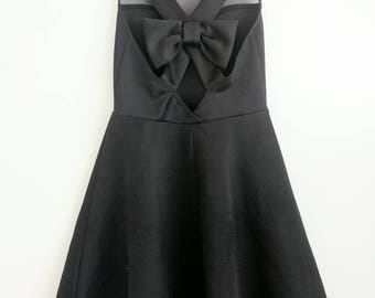 Beautiful Black Dress with a Bow!