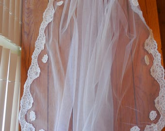 Vintage 1960s Lace Wedding Veil - Handmade