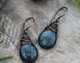 Jet Picasso Copper Earrings, Copper Earrings, Rustic Earrings, Wire Wrapped Earrings, Czech Glass Earrings, Black Earrings, Rustic Jewelry