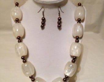Off White Necklace Earring Set