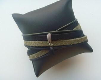 Turtlegreen/black wrap bracelet