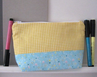 Pencil case pouch yellow Mahoney with level ground