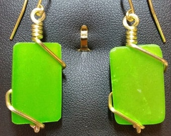 Lucky Green Alabaster Gold Wire Earrings