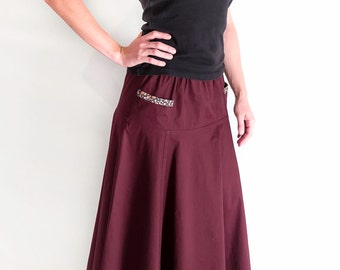 Reversible long skirt with pockets