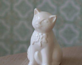 Vintage figurine from Sweden // Design Rosa Ljung // Swedish cemarics