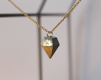 Necklace diamond pendant GOLDY with concrete diffuse side