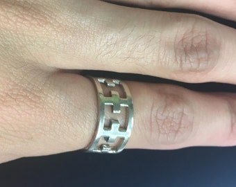 Cross ring size 7