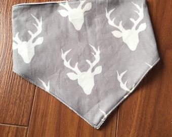 Grey deer bib