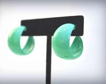 Vintage Earrings, Green Earrings, Hoop Earrings, Post Earrings, 1970s Earrings, Vintage Green Earrings, Cuff Hoops Earrins, Pierced Earrings
