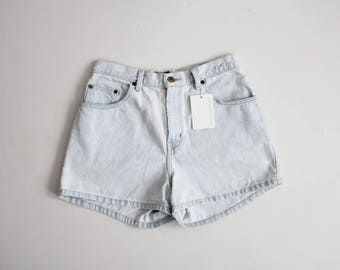 pale denim shorts | high waist shorts | 90s denim shorts