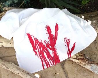 Cactus Dish Towel / Magenta and White Desert Dish Towel / Southwest Style / Modern Desert Kitchen Decor
