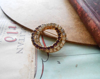 vintage interlocking circle brooch purple and clear on gold metal - costume jewelry rhinestone jewelry