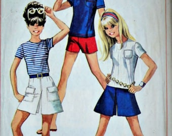 Vintage 60's Simplicity 7661 Sewing Pattern, Junior/Teen Blouse, Shorts & Mini-Pantskirt, Size 7/8, Bust 29, Retro Mod 1960's Summer Fashion