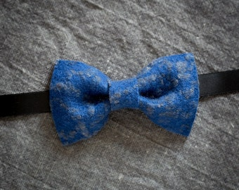 Royal blue bow tie - Pre tied bow tie with grey texture and black suitable for men and women as unisex shabby chic informal handmade gift